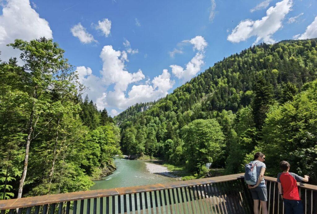 Aussichtsplattform auf dem Schmugglerweg - toller Ausflug am Walchsee mit Kindern