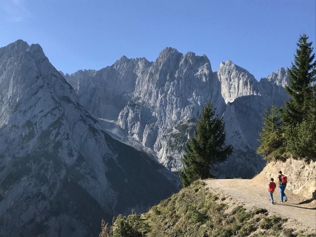 Unsre Wanderung in Tirol mit Kindern: Vom Babyhotel hinein ins wilde Kaisergebirge