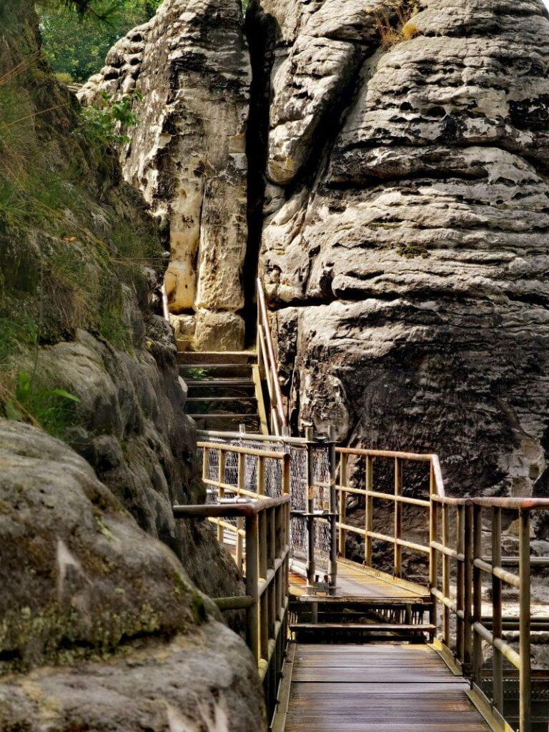 Auf der Bastei wandern mit Kindern - abenteuerlich über die Brücken von Fels zu Fels