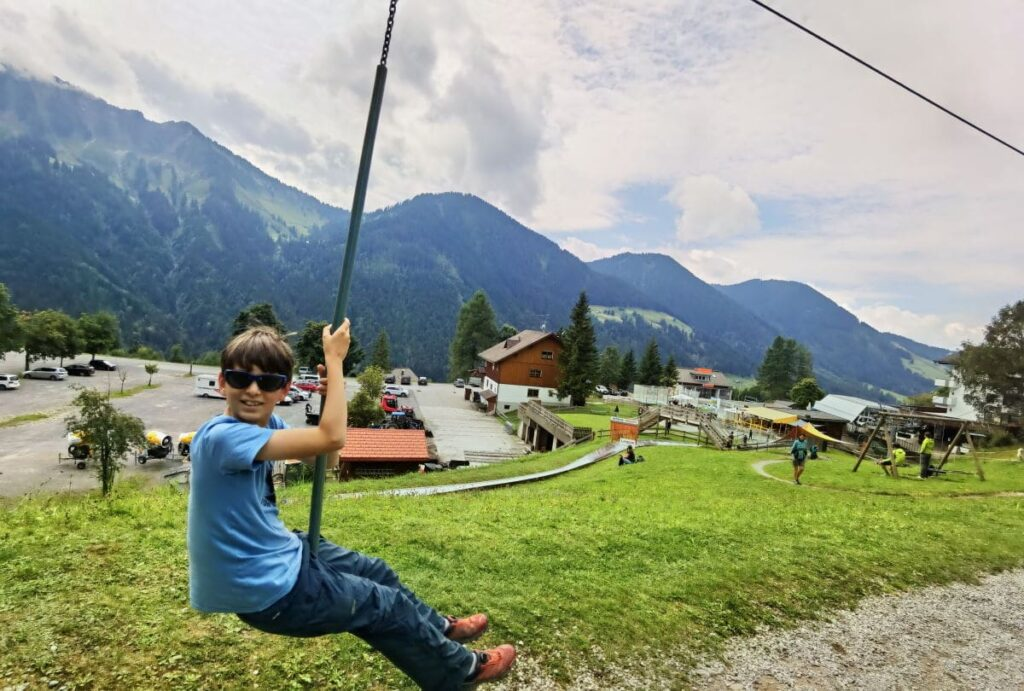 Bergbahnen Laterns Spielplatz - an der Talstation mit der Seilrutsche