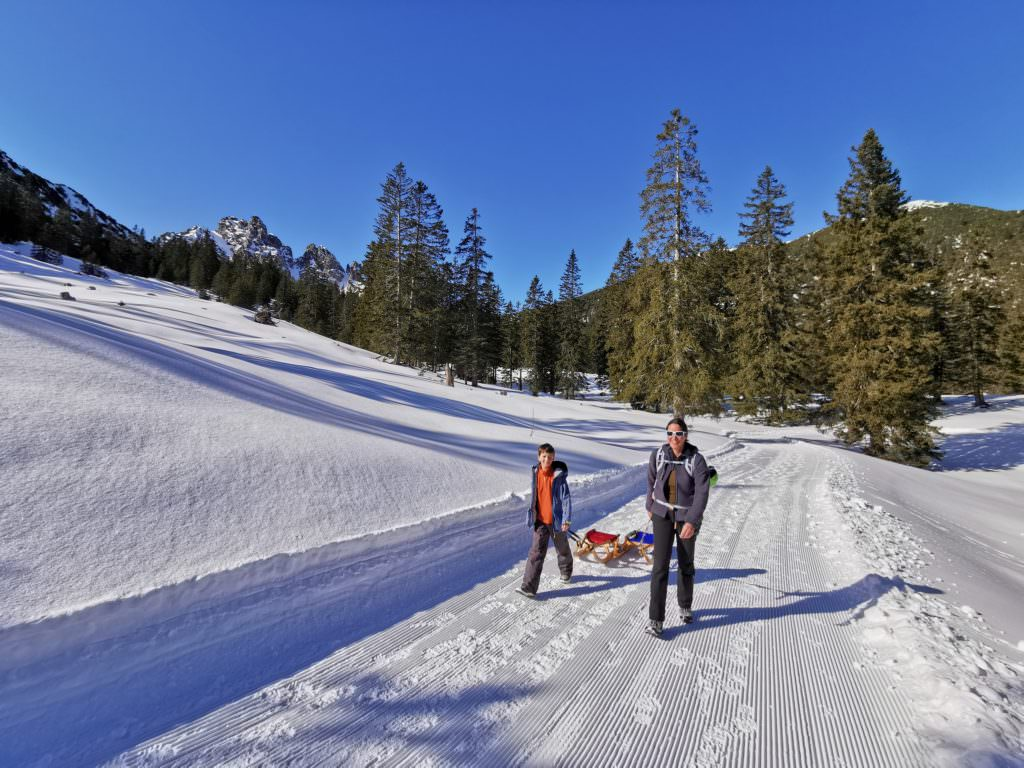 Brandnertal Rodelbahn - wir ziehen unsere Rodel Richtung Furkla Alpe