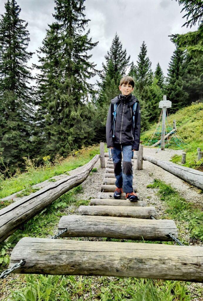 Im Brandnertal wandern mit Kindern: Auf dem Tierweltenweg von Station zu Station