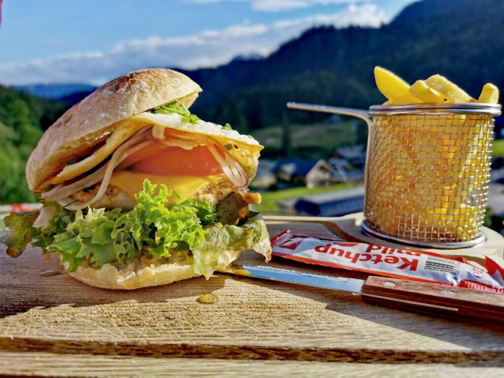 Sehr gut Burger, Schnitzel oder Kaiserschmarrn essen am Loser im Salzkammergut