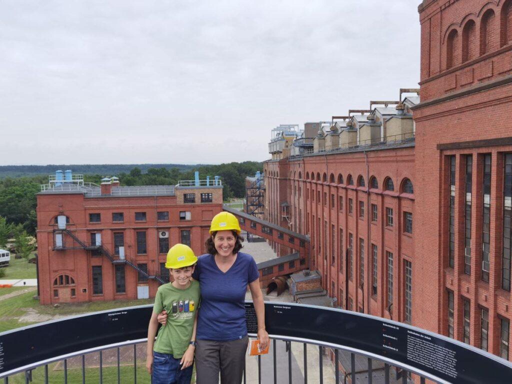 Energiefabrik Knappenrode - der Blick von oben auf die riesige Brikettfabrik