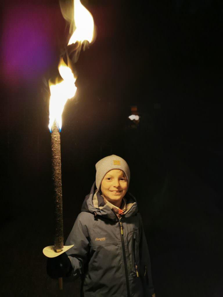 Fackelwanderung mit Kindern - ein spannender Ausflug in Bayern