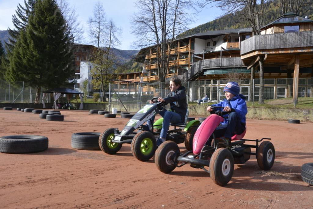 Familienhotel Bad Kleinkirchheim Tipp für Kindern: Mit den tollen Go Karts fahren!