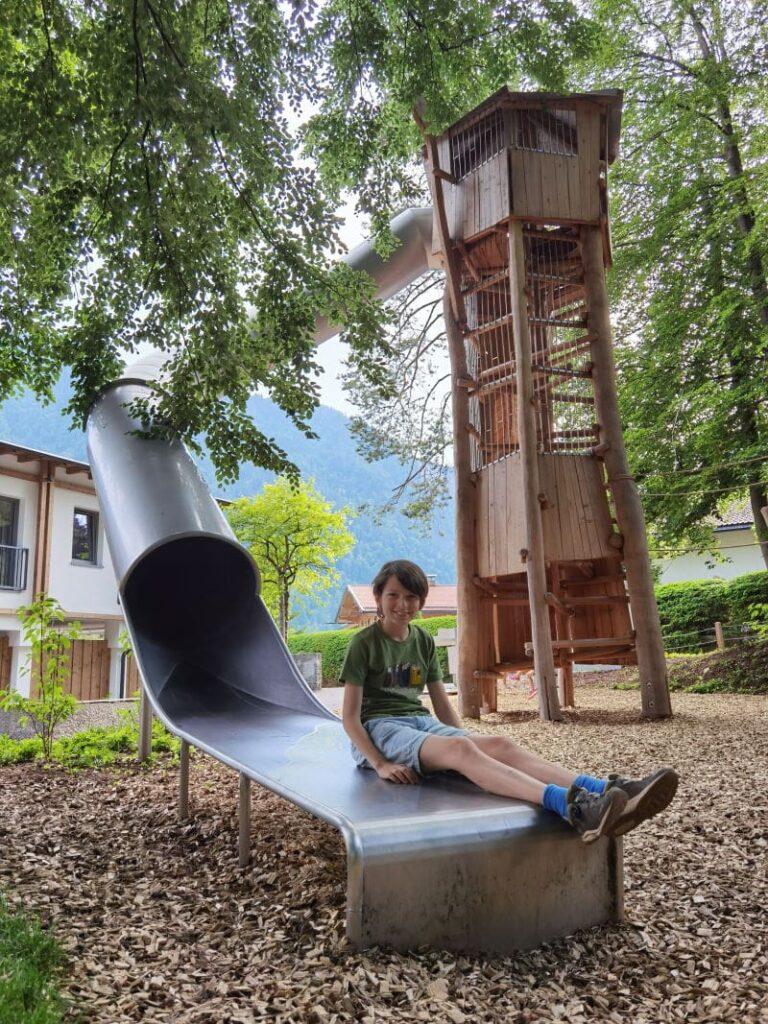 Das ist der tolle Outdoor - Spielplatz im Familienhotel Bayrischzell