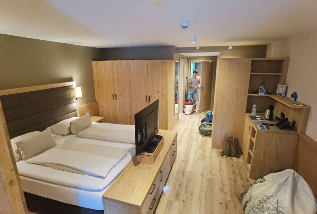 Die modernen Familienzimmer im Familienhotel Bayrischzell - perfekt für den entspannten Urlaub in den Bergen