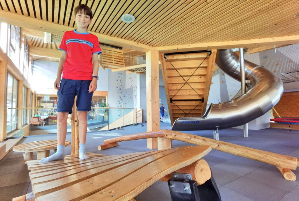 Familienhotel Montafon - mit riesigem Indoor Spielplatz