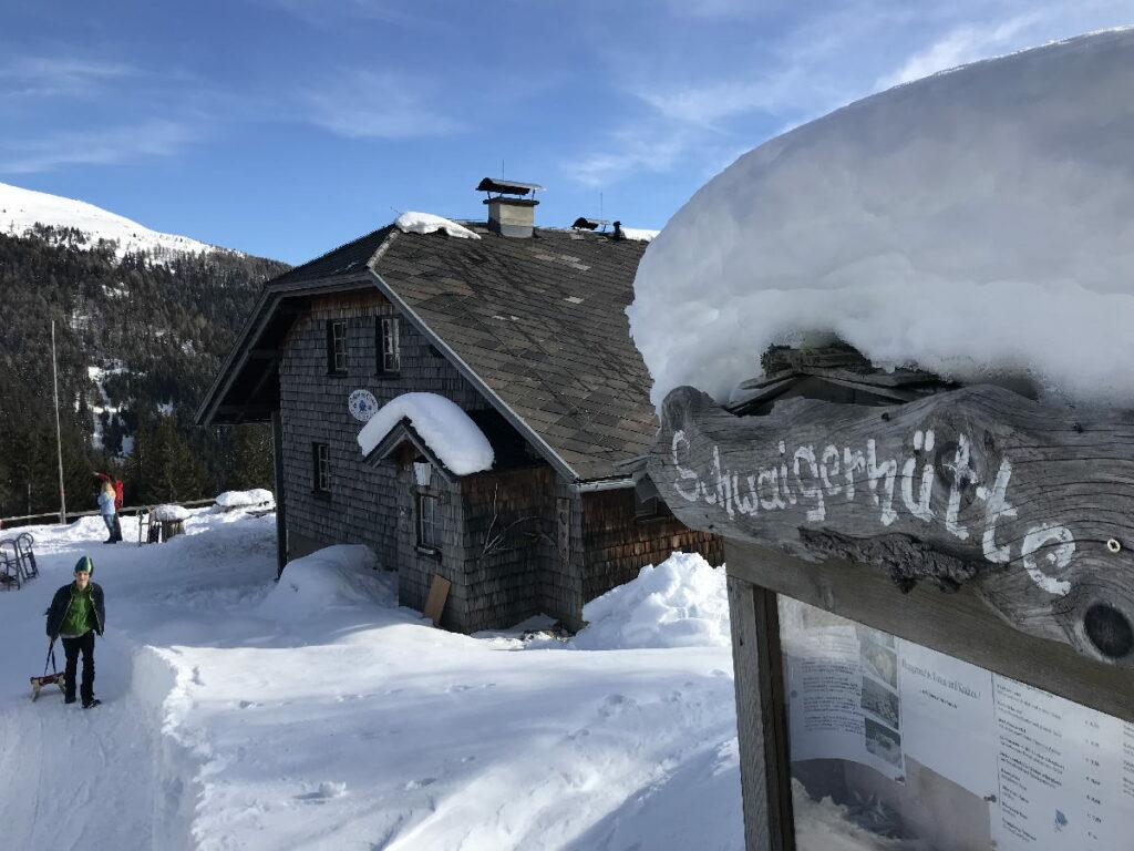 Vom Familienhotel Post am Millstätter See hinauf zur Schwaigerhütte im Schnee