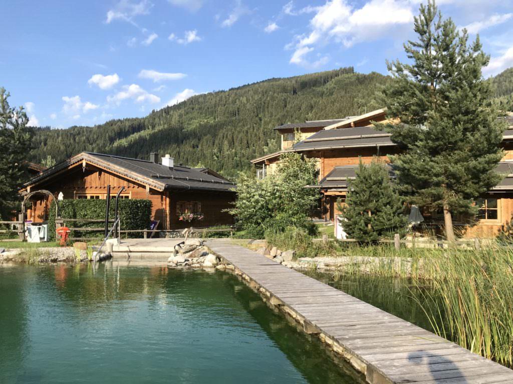 Familienhotel am See oder lieber urige Almhütte am See?