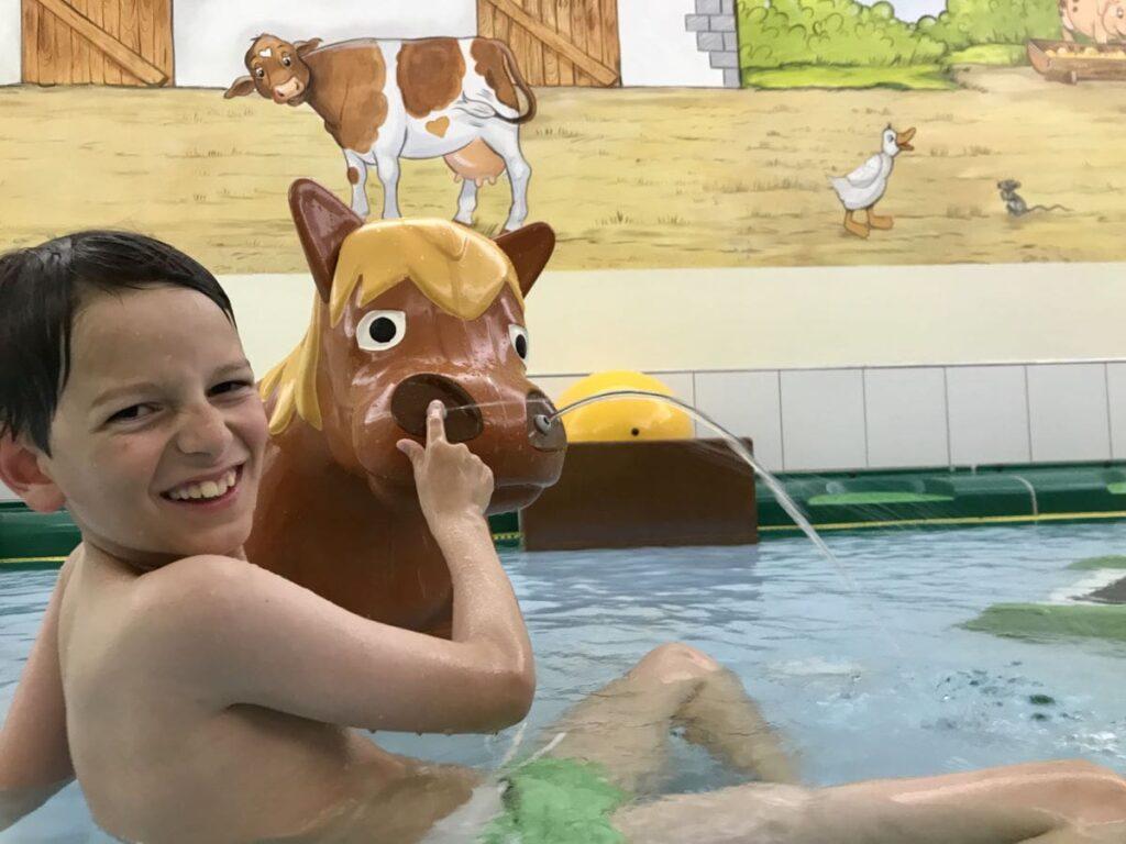 Familienhotel mit Schwimmbad und Wasserrutsche - ein Traum für die Kinder