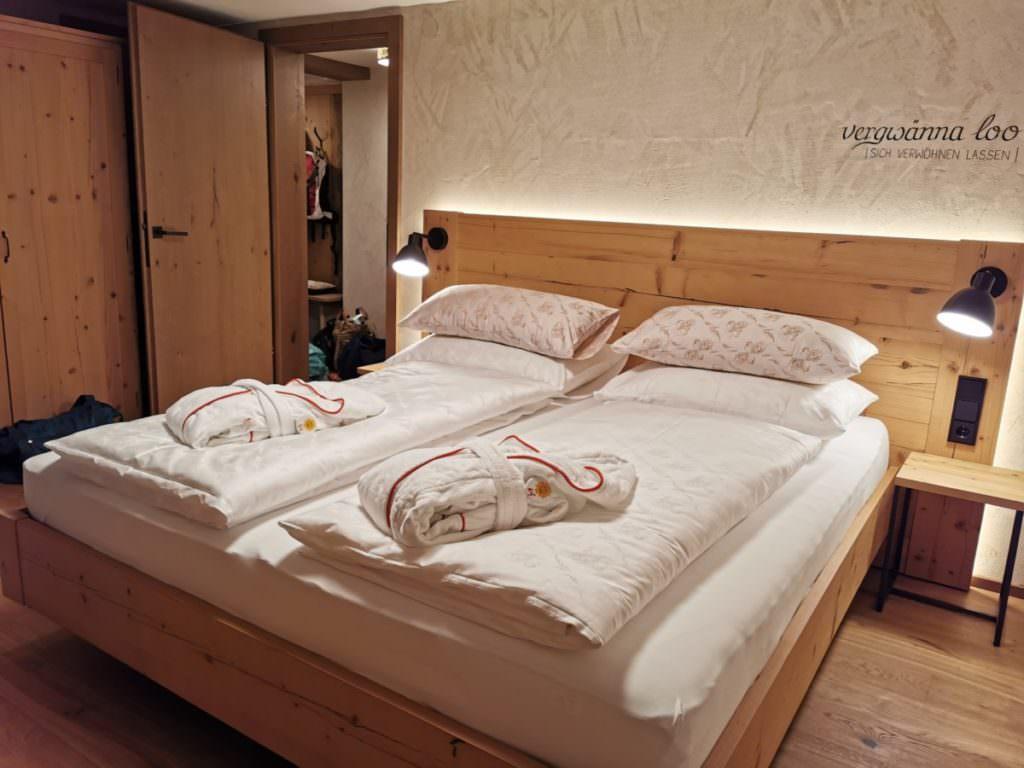 Das Elternschlafzimmer in der Ferienwohnung Kleinwalsertal, Bauernhaus Rosenhof