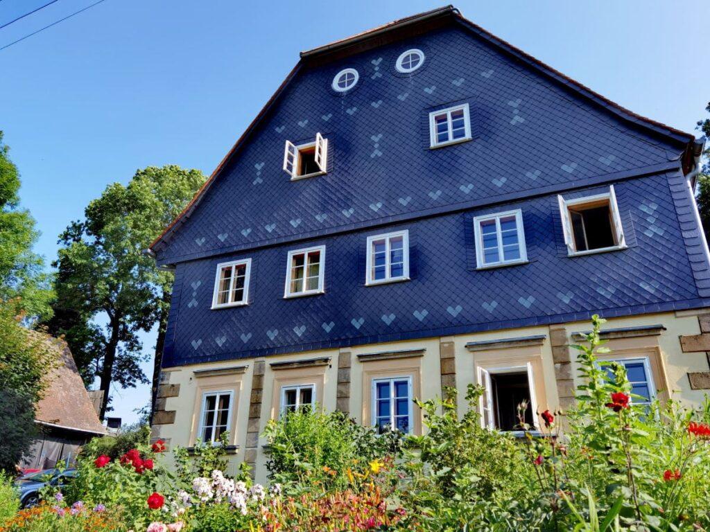 Der Grünsteinhof: Ein Umgebindehaus mit Ferienwohnungen in der Oberlausitz mit Kindern
