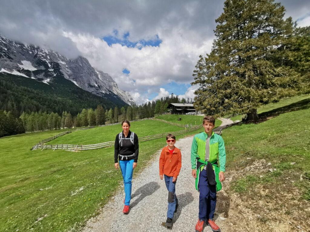 Zur Gaistalalm in Tirol wandern - leichte Wanderung im Gaistal