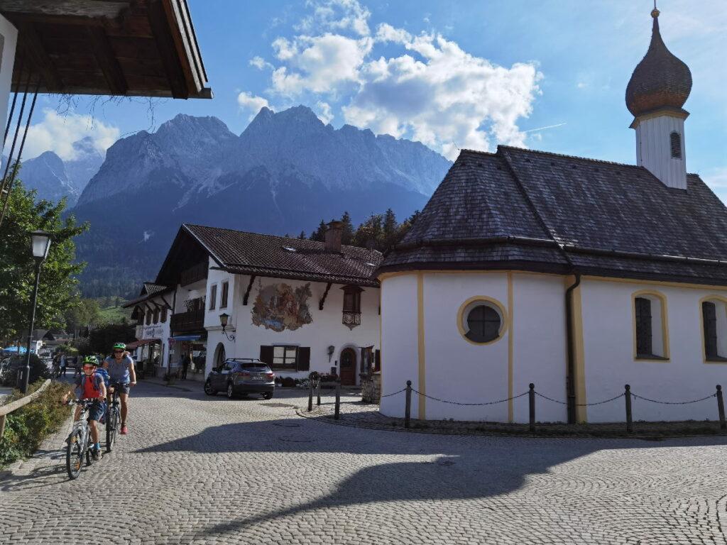 Durch Grainau mit Kindern - mit Blick auf die Zugspitze, 20 Minuten vom Zugspitz Resort Ehrwald entfernt