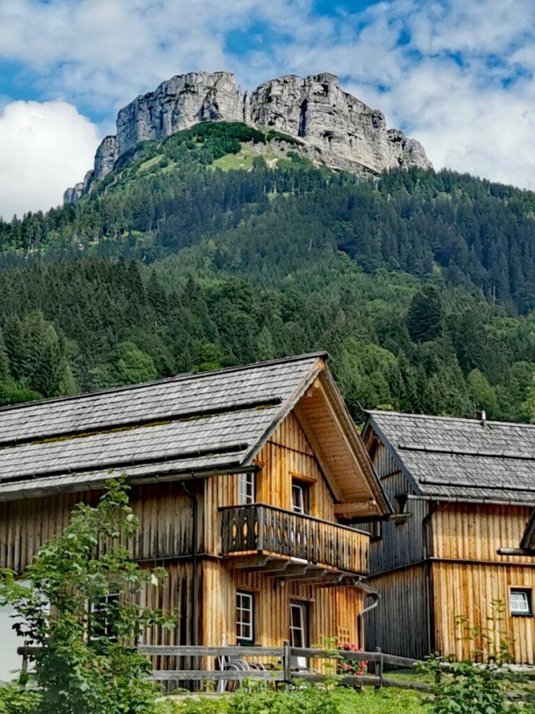 schönes Hüttendorf in Österreich - für uns das Domizil im Familienurlaub Steiermark