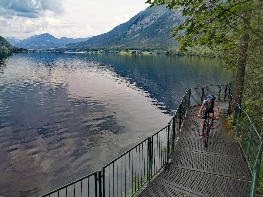 Das ist Hallstätter See Radweg am Ostufer - fern vom Verkehr