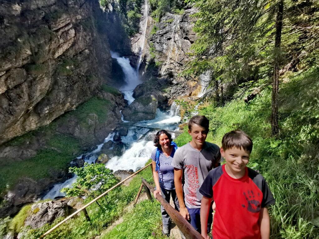 Ab Hallstatt mit Kindern wandern: Zu den Wasserfällen im Echerntal