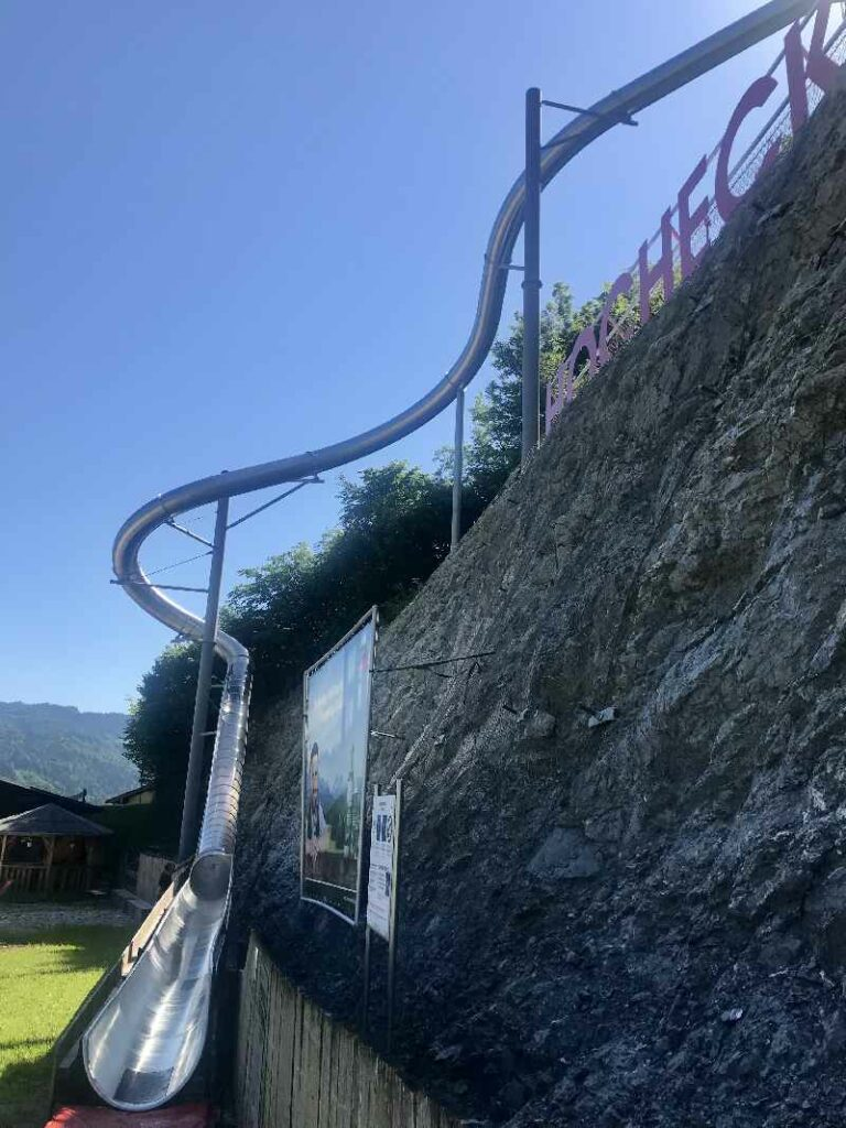 Herbsturlaub mit Kindern am Hocheck Oberaudorf - die Free Fall Rutsche bei der Sommerrodelbahn am Hocheck