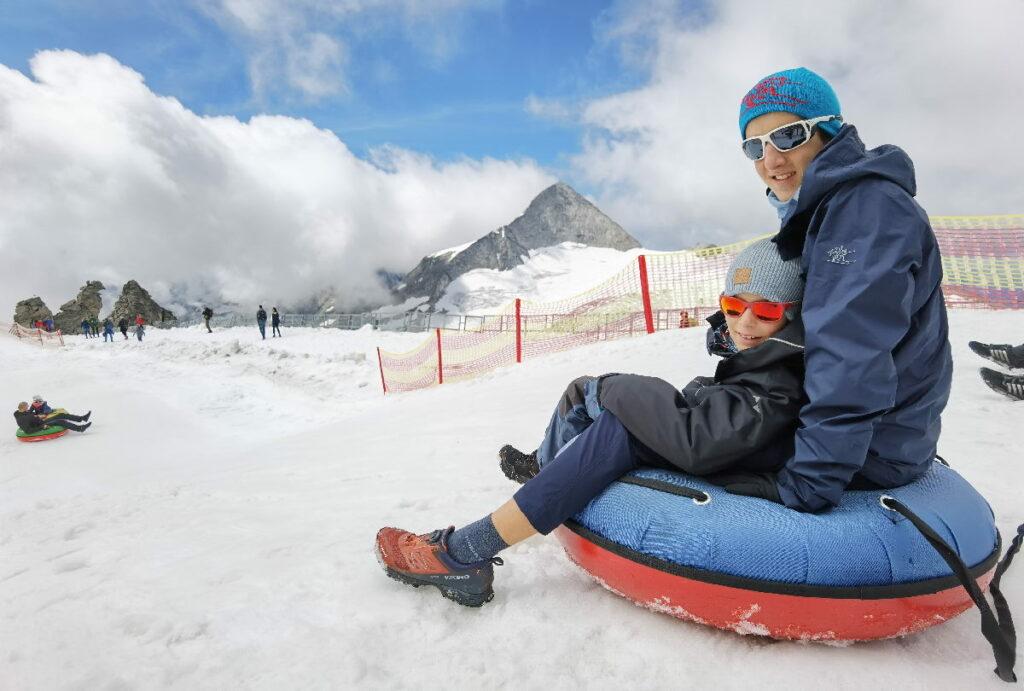 Rauf auf den Hintertuxer Gletscher - unser Ausflug vom Familienhotel hinauf ins ewige Eis