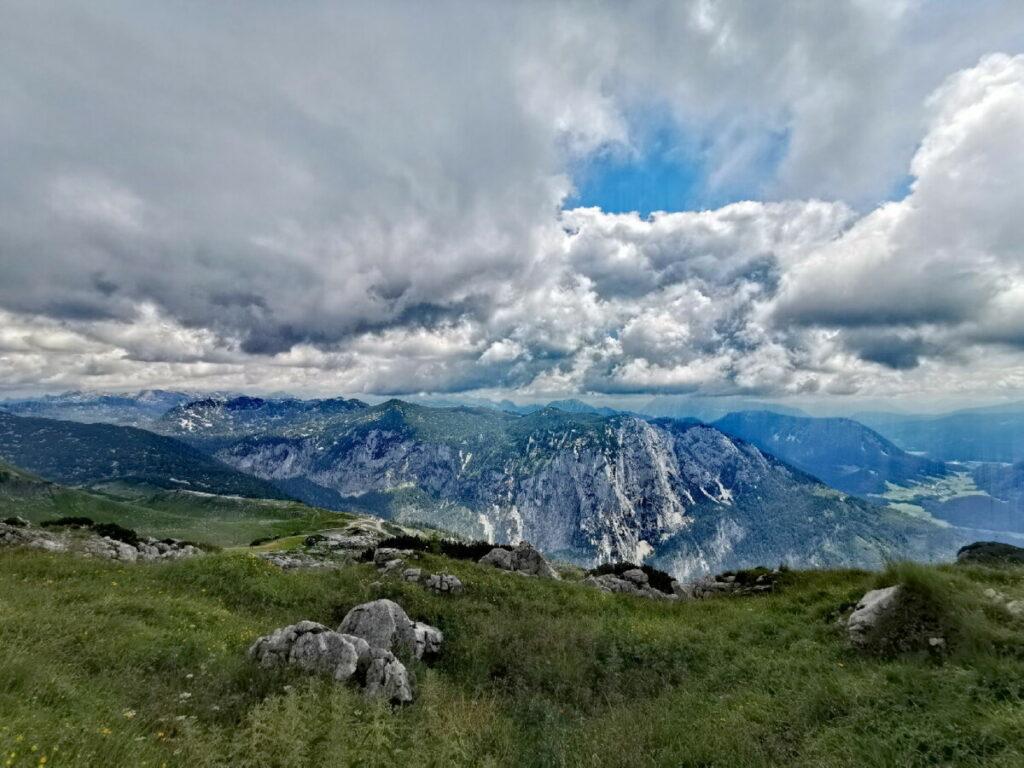 Aussicht vom Hochanger auf die Berge im Salzkammergut