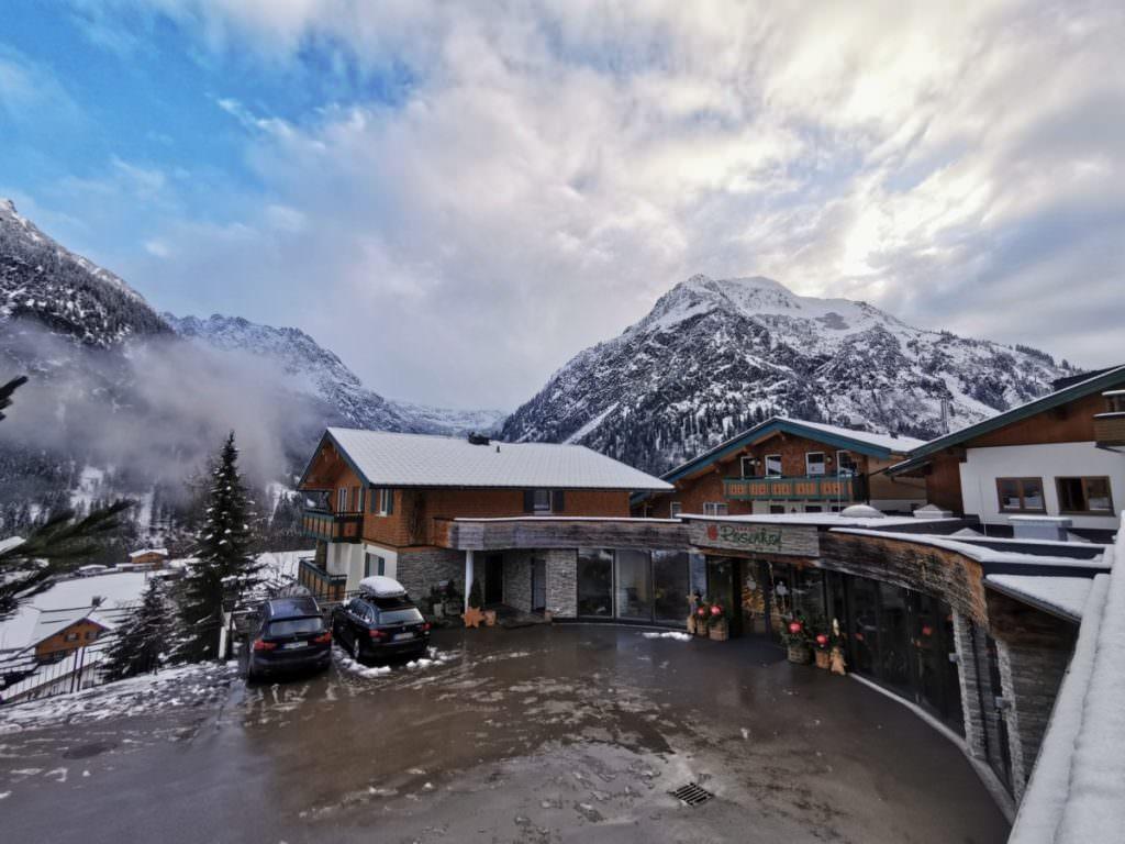 Willkommen im Rosenhof im Schnee