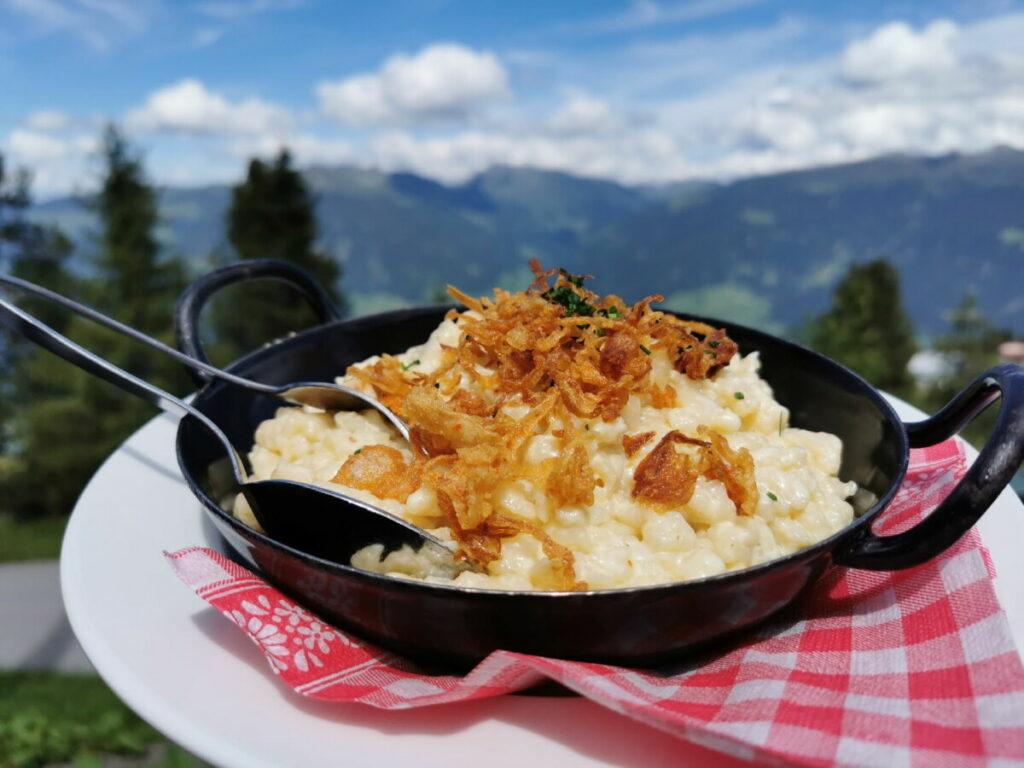 Die sehr guten Käsespätzle in der Kaltenbacher Skihütte