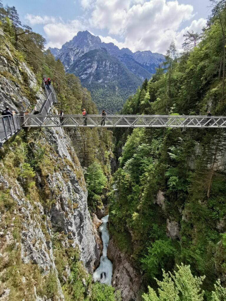 Besondere Klamm in Bayern - in luftiger Höhe zwischen Mittenwald und Leutasch