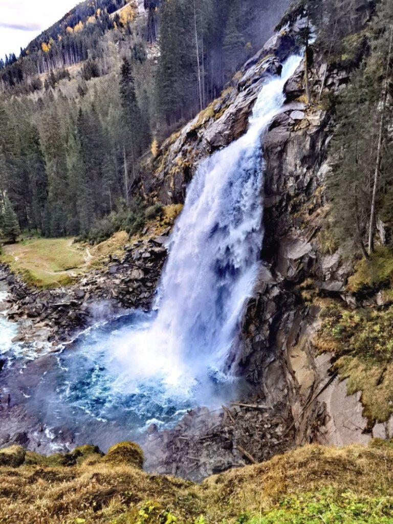 Klamm Salzburg besuchen oder an die Krimmler Wasserfälle? Imposant ist beides
