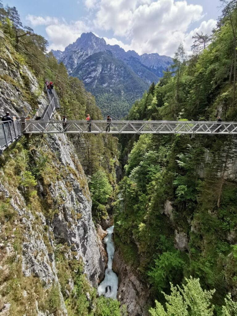 Diese Klamm in Tirol solltest du besuchen: Kostenlose Klammwanderung durch die Leutaschklamm