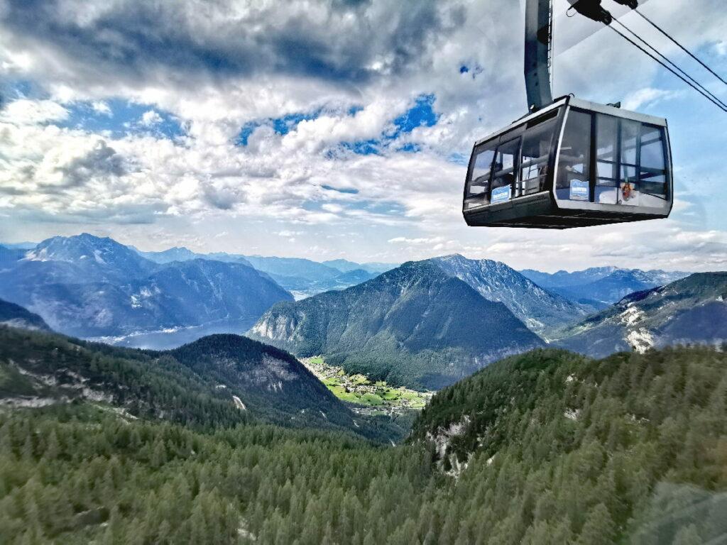 Mit der Krippensteinbahn geht es hinauf zu den Ausflugszielen am Krippenstein