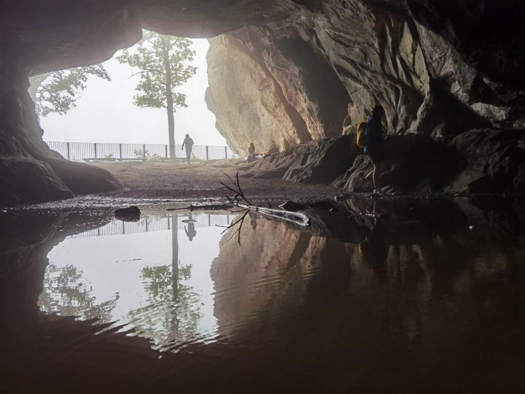Auch bei Regen schön! Der Kuhstall mit dem großen Felsentor, mystische Sächsische Schweiz mit Kindern