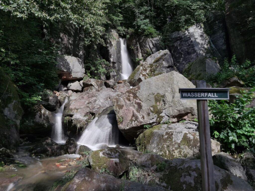 Langenhennersdorfer Wasserfall - eine der geheimen Sehenswürdigkeiten in der Sächsischen Schweiz