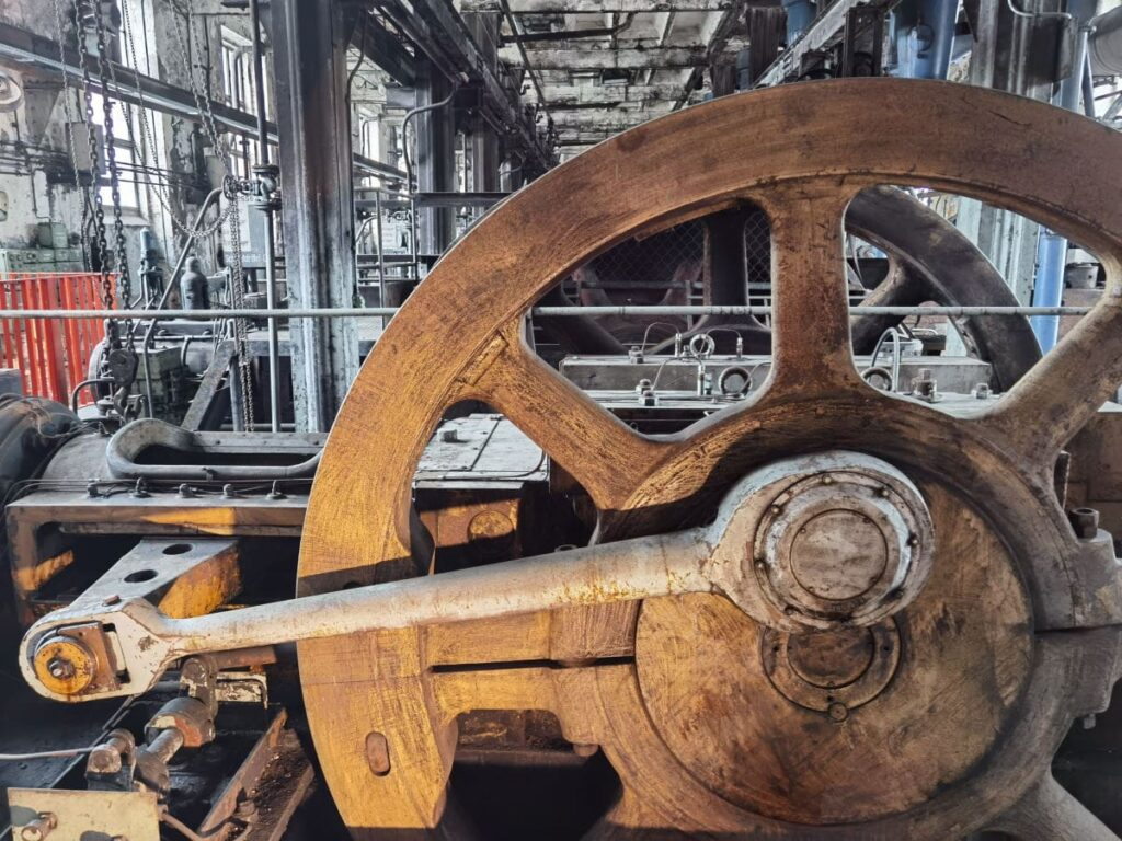 Eine der Lausitzer Seenland Sehenswürdigkeiten: Die ehemalige Brikettfabrik