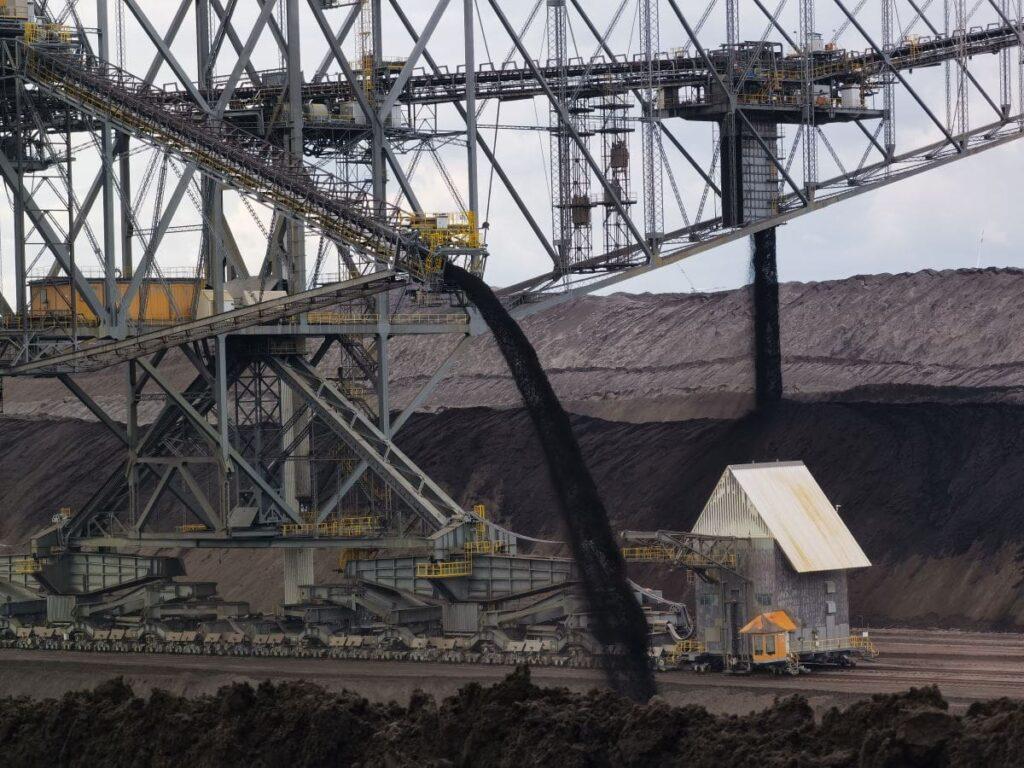 Besonderer Ausflug im Lausitzer Seenland - zum gigantischen Absetzer, wo minütlich Tonnen von Material aufgeschüttet werden