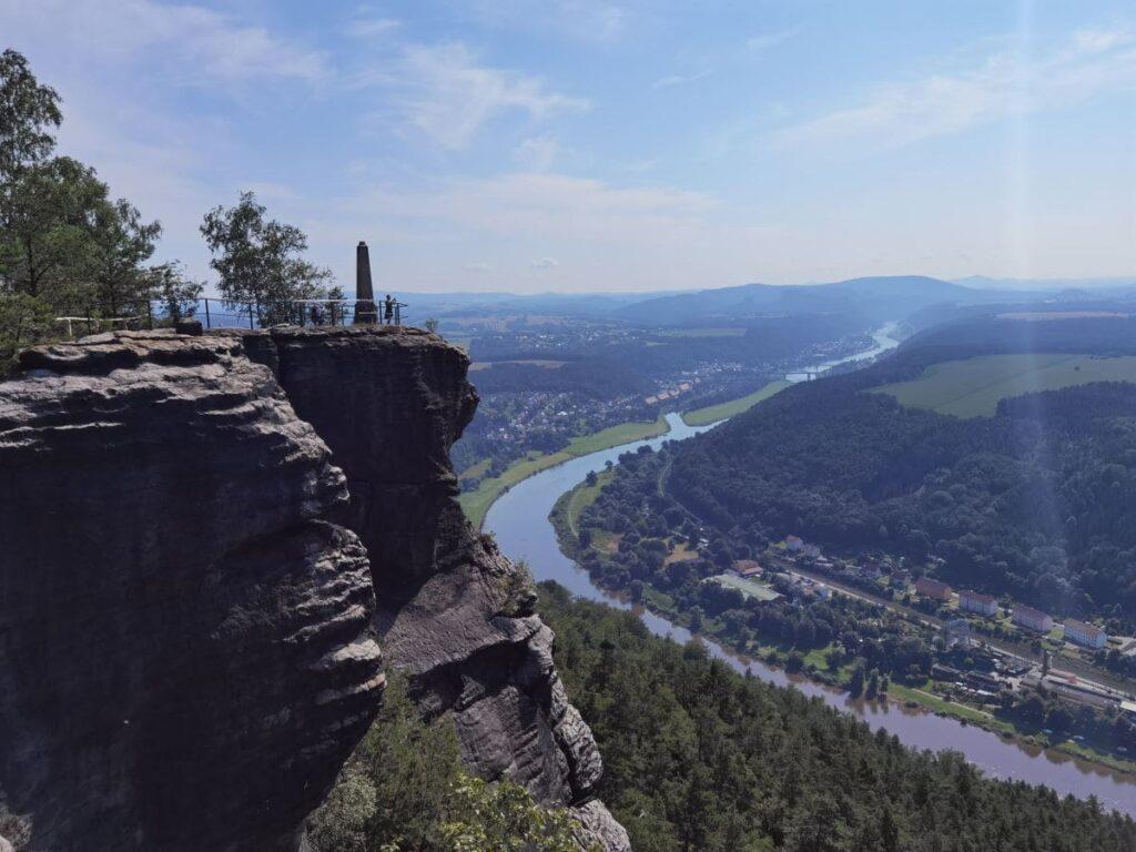 Aussichtskanzel auf dem Lilienstein - mit Blick zur Elbe
