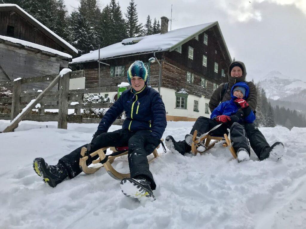 Rodelurlaub Österreich mit Kindern - perfekt mit frischem Pulverschnee!