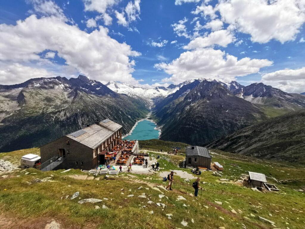 Das ist die Olperer Hütte - unser Wanderziel im Zillertal mit Kindern
