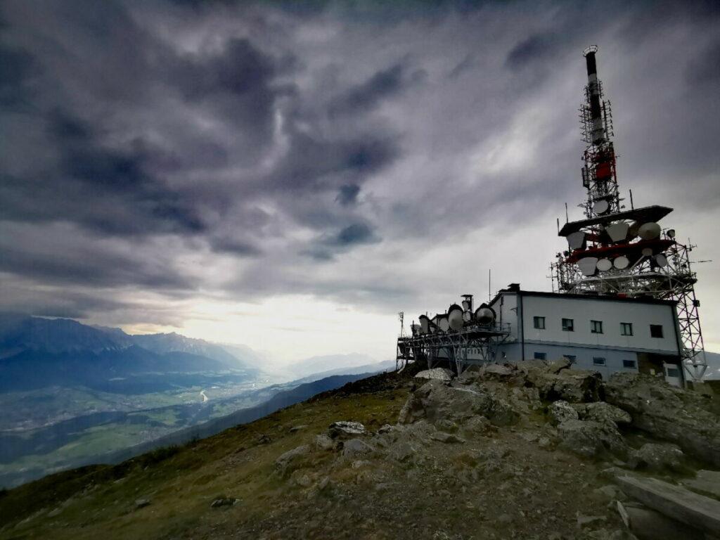 Der Patscherkofel Gipfel mit dem weithin sichtbaren Sendemasten