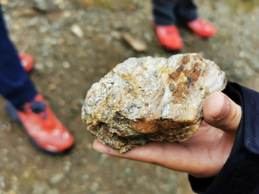 Das Fundstück - der besonders glänzende Stein