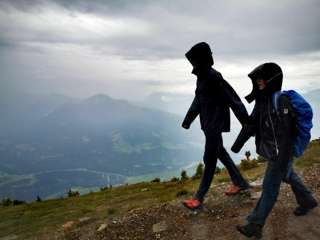 Leider hat uns der Regen erwischt, schnell zurück zur Bergstation
