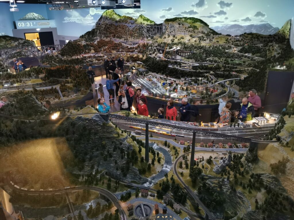 Der Blick von oben auf die riesige Miniaturwelt - soo schön!