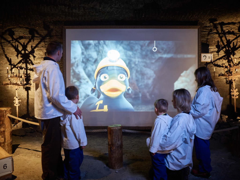 Salzbergwerk mit Kindern - Foto: Salzwelten, Podera