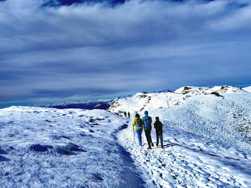Und so sieht drei Jahre später der Weg zum Granattor im Schnee aus