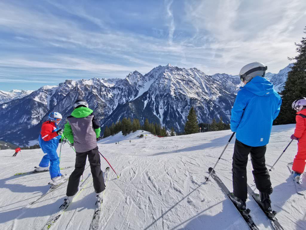 Skigebiet Brandnertal - der Ausblick über die Skipiste bei der Bergstation Gulma