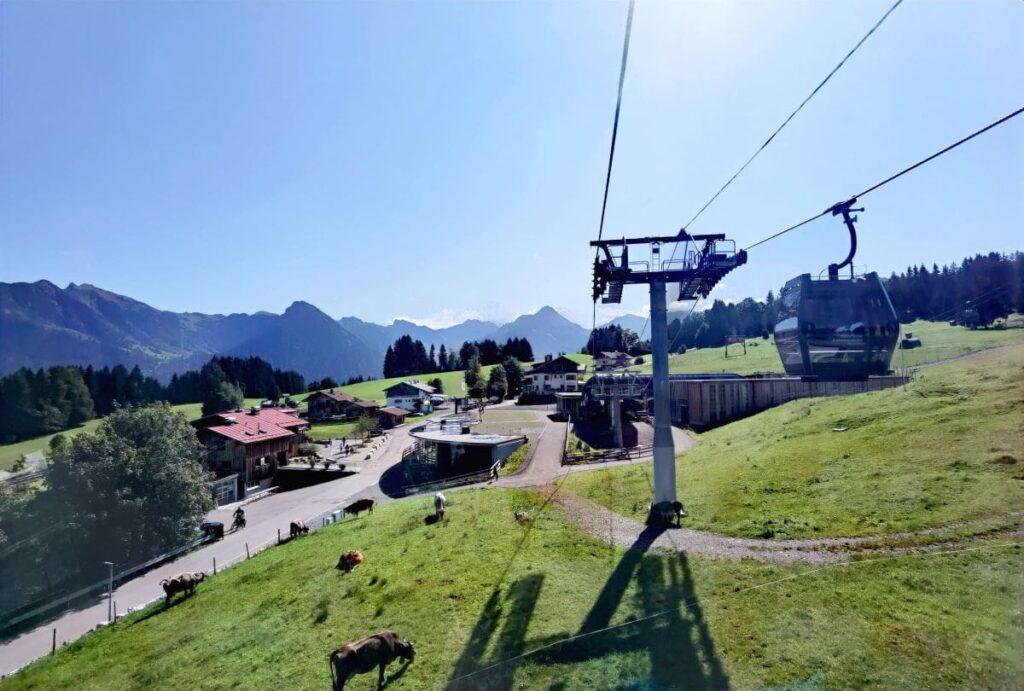Mit der neuen Söllereck Bergbahn geht es hinauf Richtung Bergstation