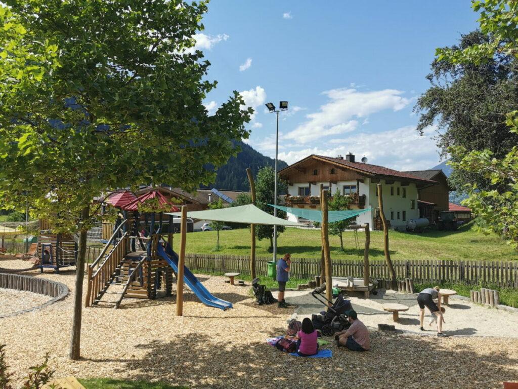 Das ist der Sandspielplatz bei der Sommerrodelbahn im Zillertal, kostenloser Eintritt