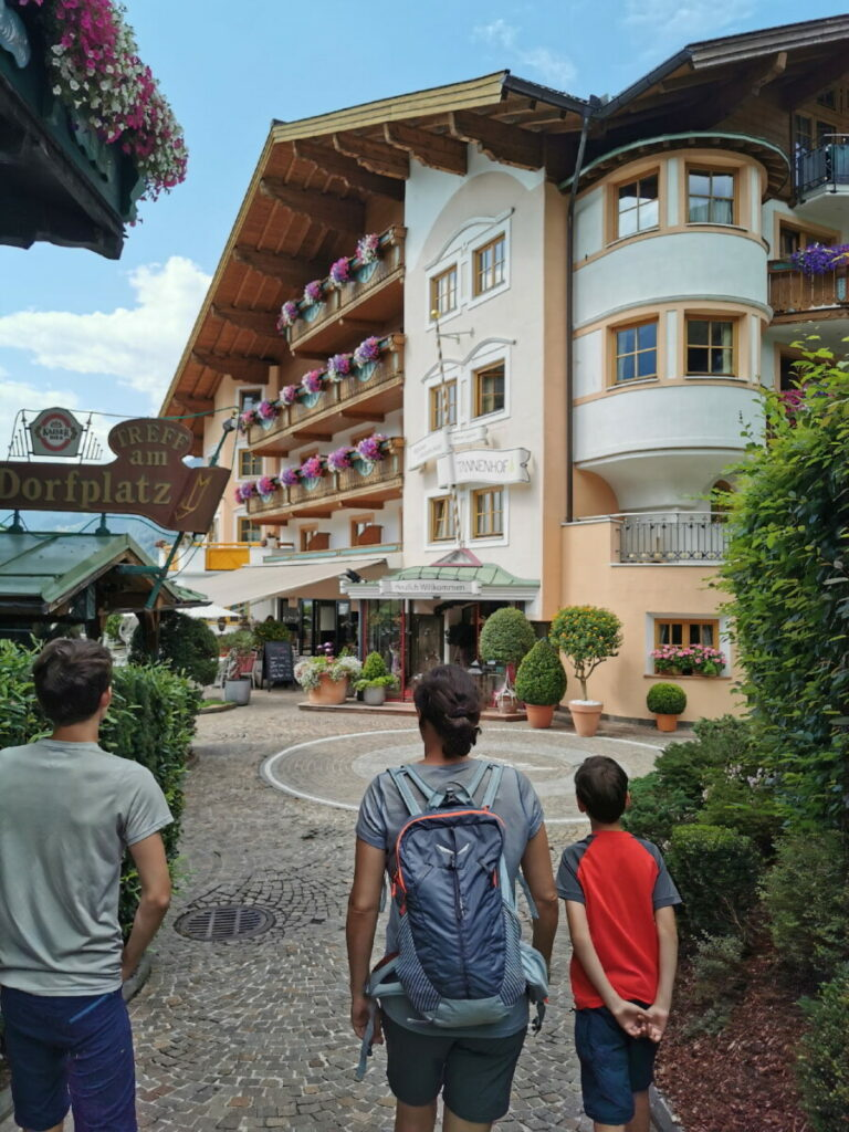 Unsere Ankunft in St. Johann Salzburg - rein ins Familienhotel