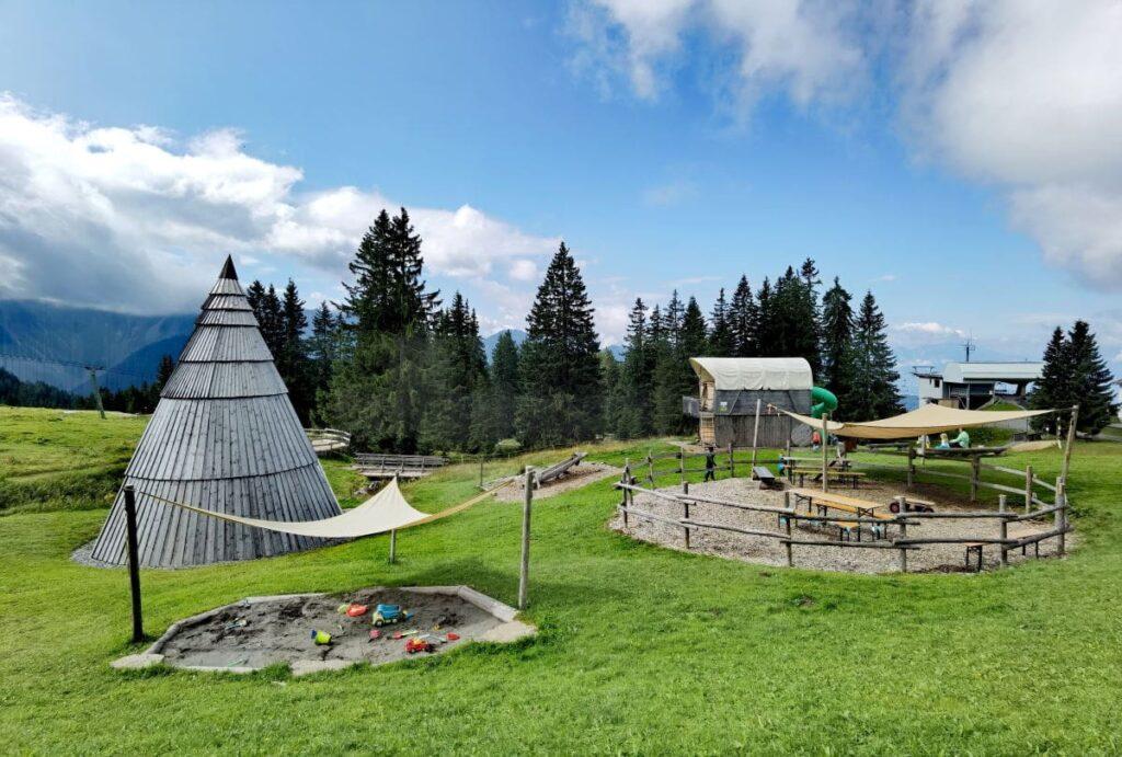 Tippi Spielplatz Laterns direkt bei der Bergstation